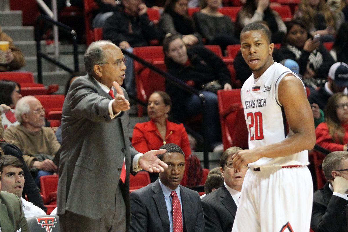Tubby Smith and Toddrick Gotcher hash things out.