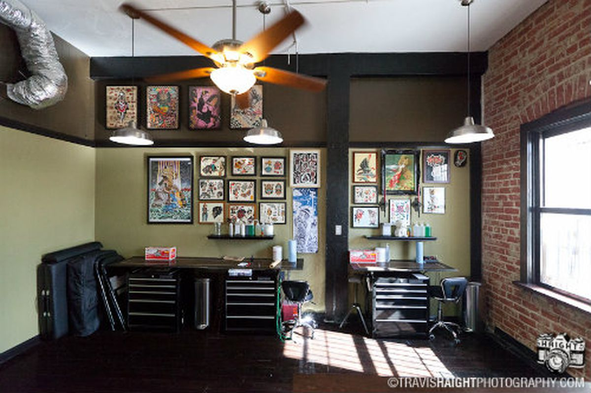 Echo park 39 s manly barber shop debuts with a tattoo parlor for Rose tattoo parlor