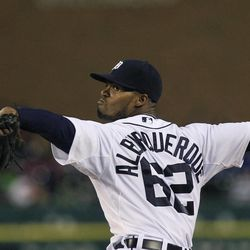 Detroit Tigers relief pitcher Al Alburquerque (62) throws during the sixth inning of the second baseball game of a doubleheader against the Minnesota Twins at Comerica Park in Detroit, Sunday, Sept. 23, 2012.