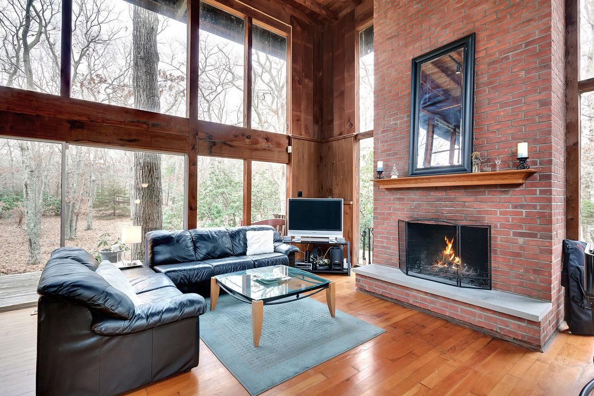 Glass House In East Hampton Designed By Harry Bates Lists