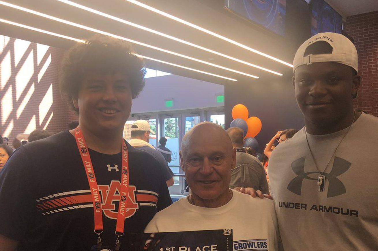 Auburn OL commits Avery Jernigan & Javion Cohen with OL coach JB Grimes