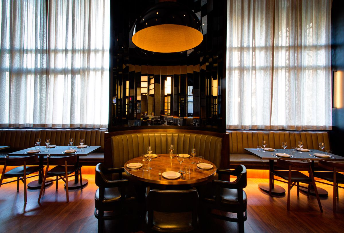 A booth in the main dining room at Majordomo