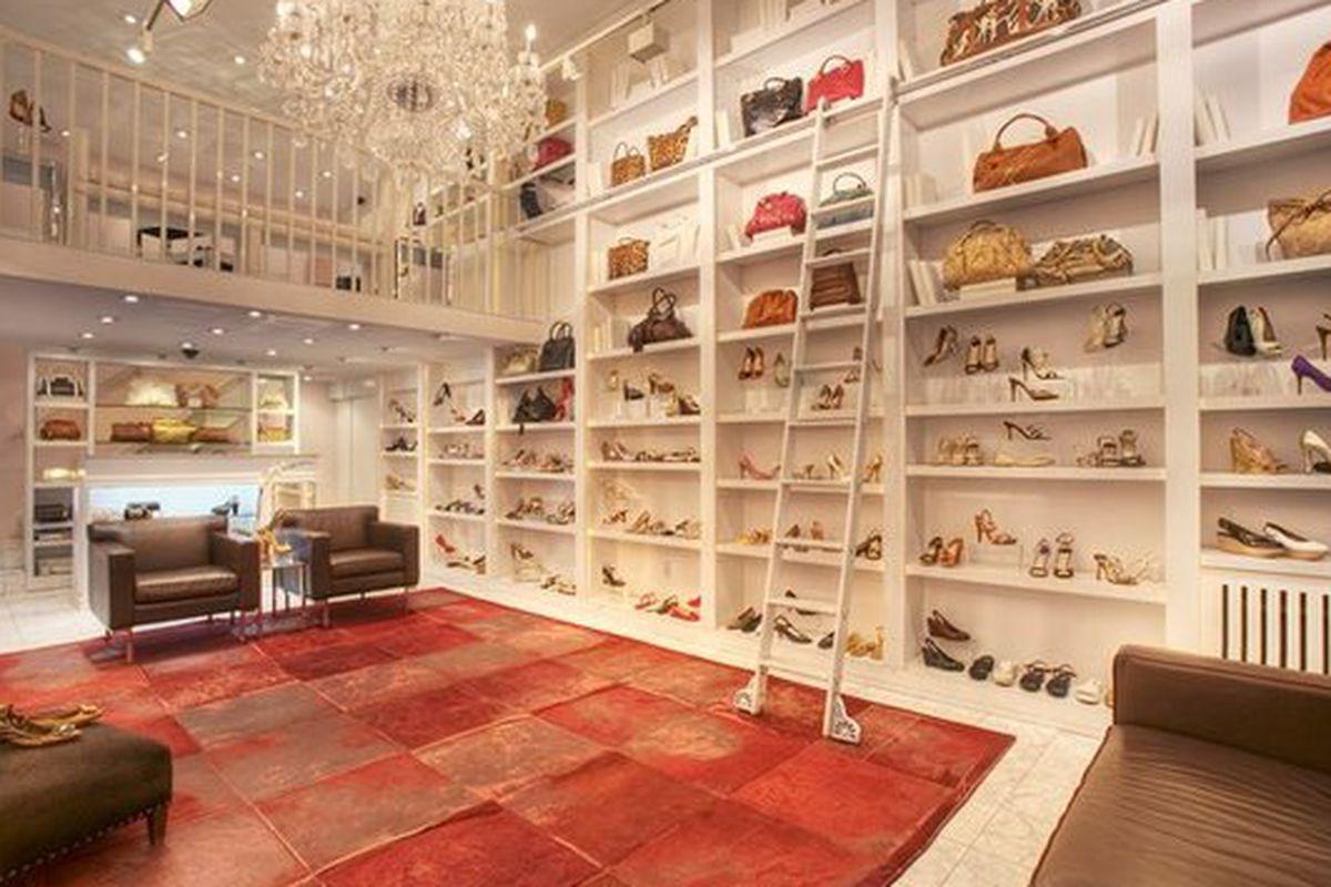 "The Third Avenue Store; image via <a href=""http://www.yelp.com/biz_photos/chuckies-new-york-new-york-2?select=aiYTEKluHskg3M_qSzMuRw#ArOAscYDf3rG7S2bT2cHCQ/"">Yelp</a>"