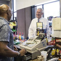 Don Bell chats with Circuit Court of Cook County Judge Timothy Joyce | Ashlee Rezin/Sun-Times