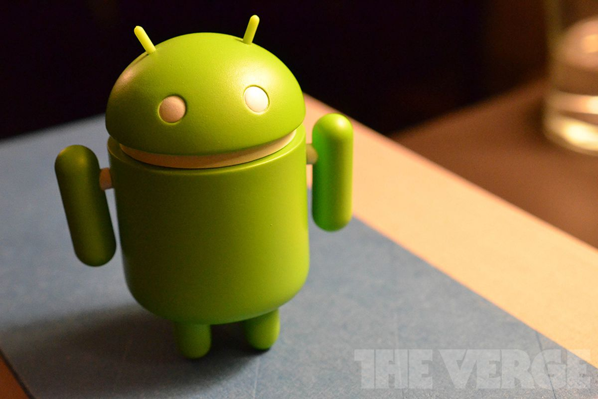 android robot doll (1020)