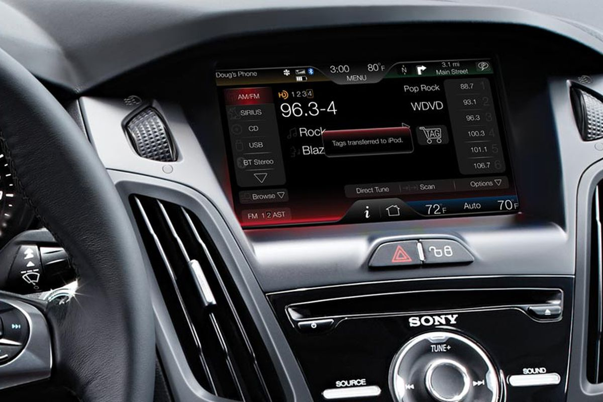 Ford Focus interior dashboard cd player