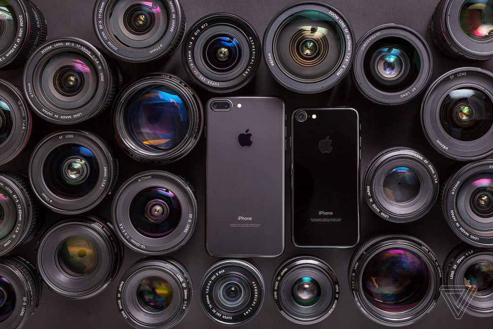 Apple iPhone 7 and iPhone 7 Plus camera with lenses