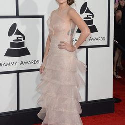 More sheet action, courtesy of Kacey Musgraves in Armani Prive.