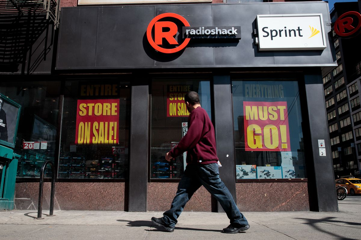 Sprint is getting sued for sabotaging RadioShack's comeback