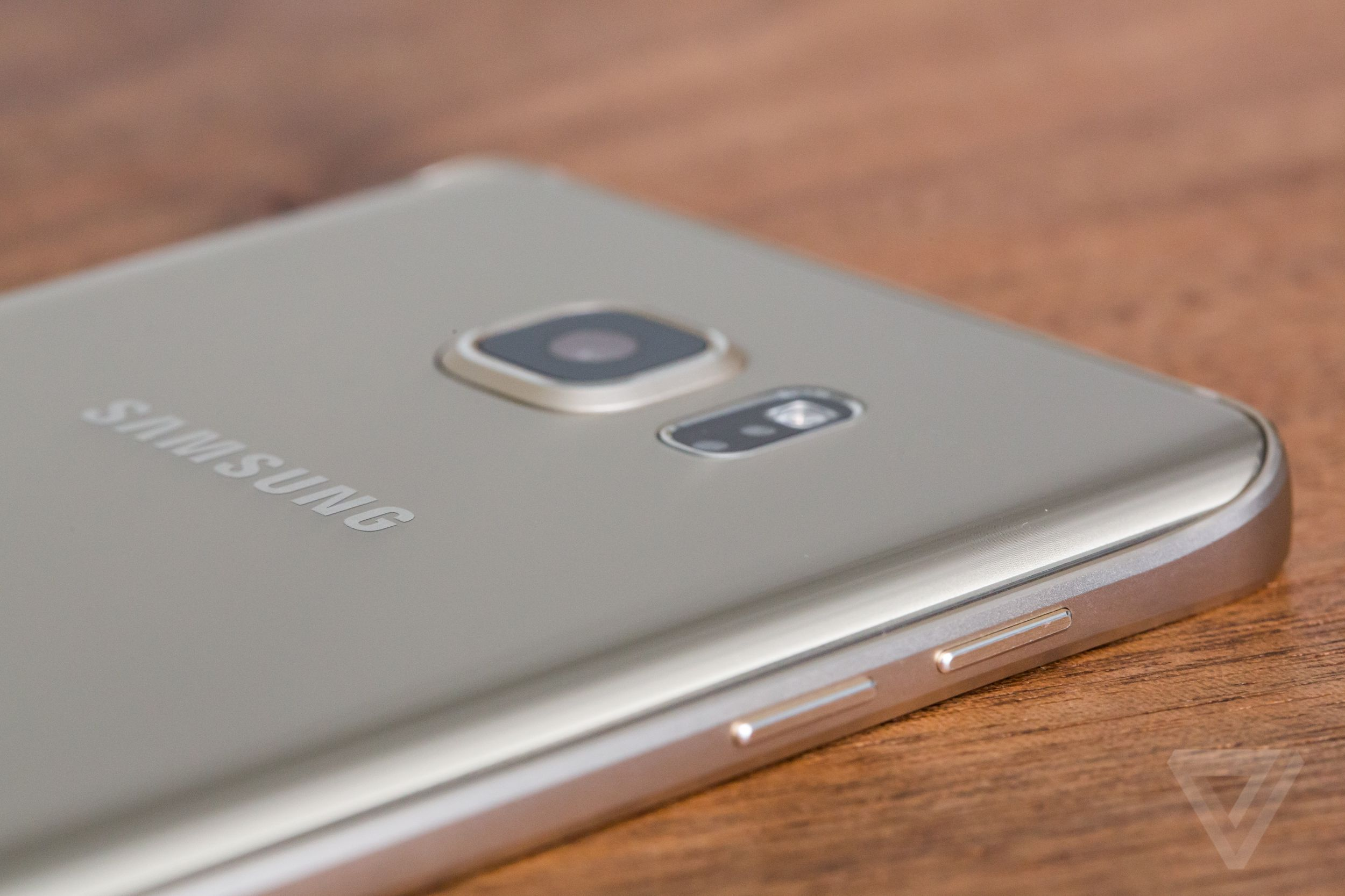 samsung galaxy note 5 review the verge the design is stunning and humane but there are trade offs