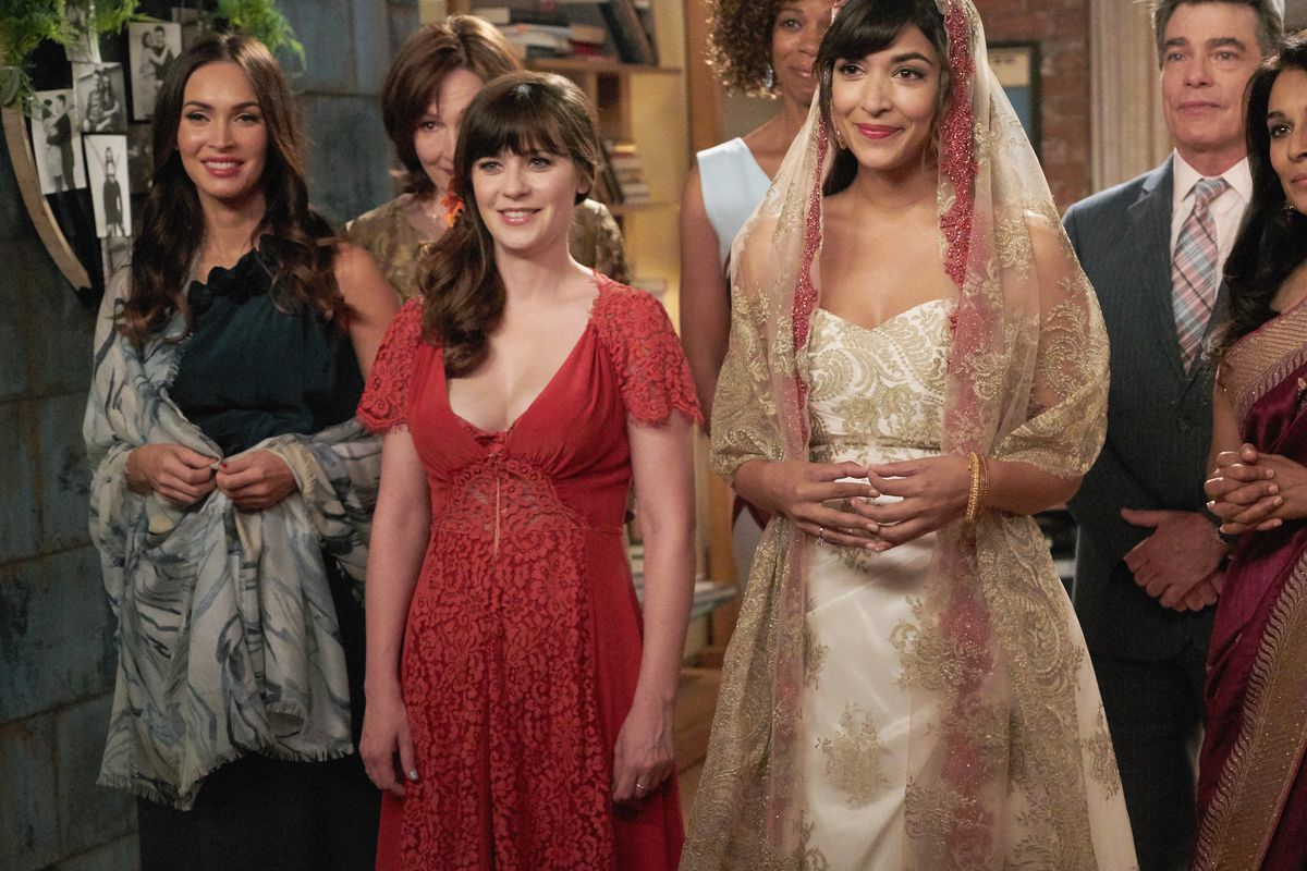 Zooey Deschanel Wore an LA Designer Dress on New Girl s Wedding Finale 637b0b906