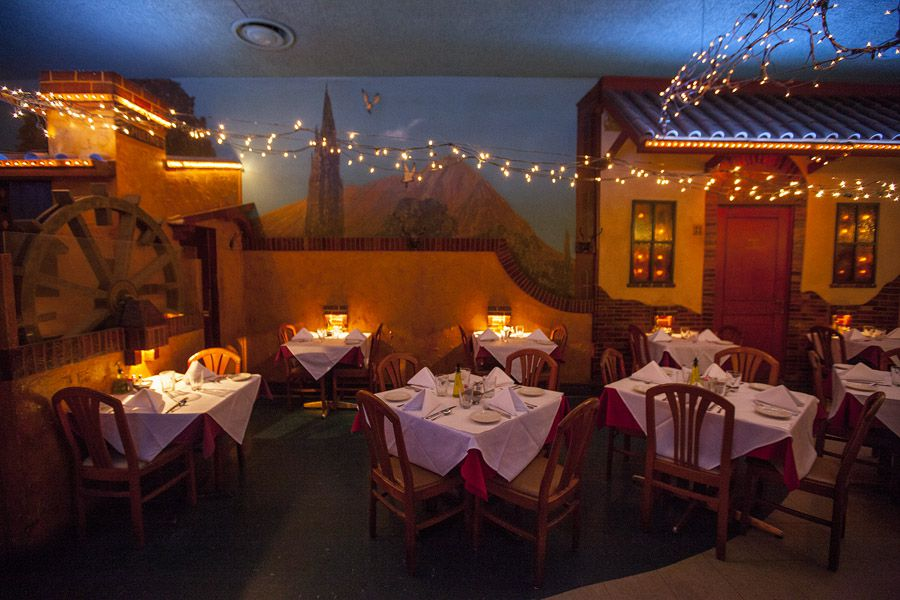 20 Must Try Classic Restaurants In Chicago Eater Chicago