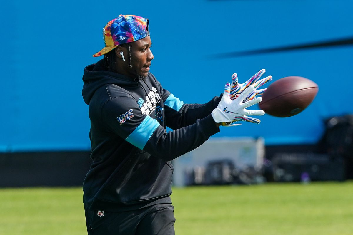 Carolina Panthers wide receiver Curtis Samuel (10) makes a catch during warm ups before a game against the Arizona Cardinals at Bank of America Stadium.