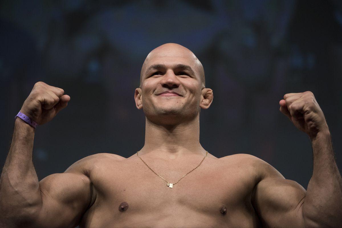 UFC 211 Weigh-in
