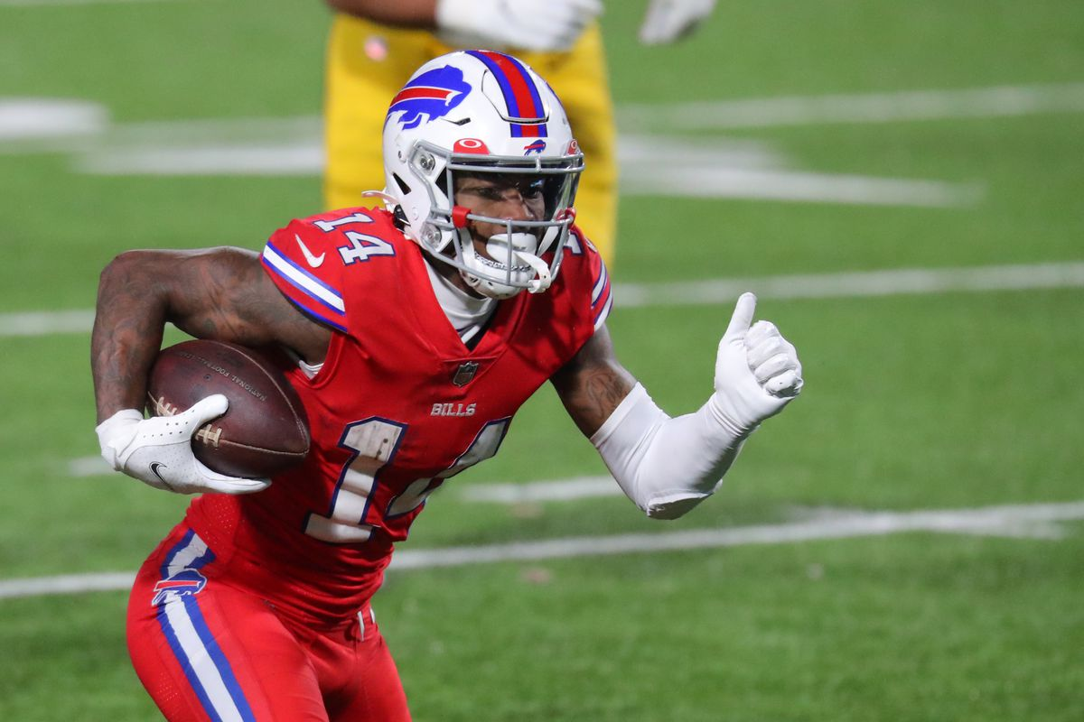 Stefon Diggs #14 of the Buffalo Bills runs the ball after a catch against the Pittsburgh Steelers at Bills Stadium on December 13, 2020 in Orchard Park, New York.