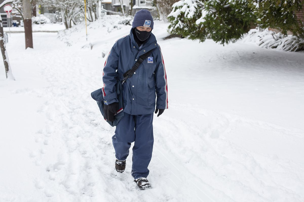 Large Winter Storm Brings Snow To Seattle