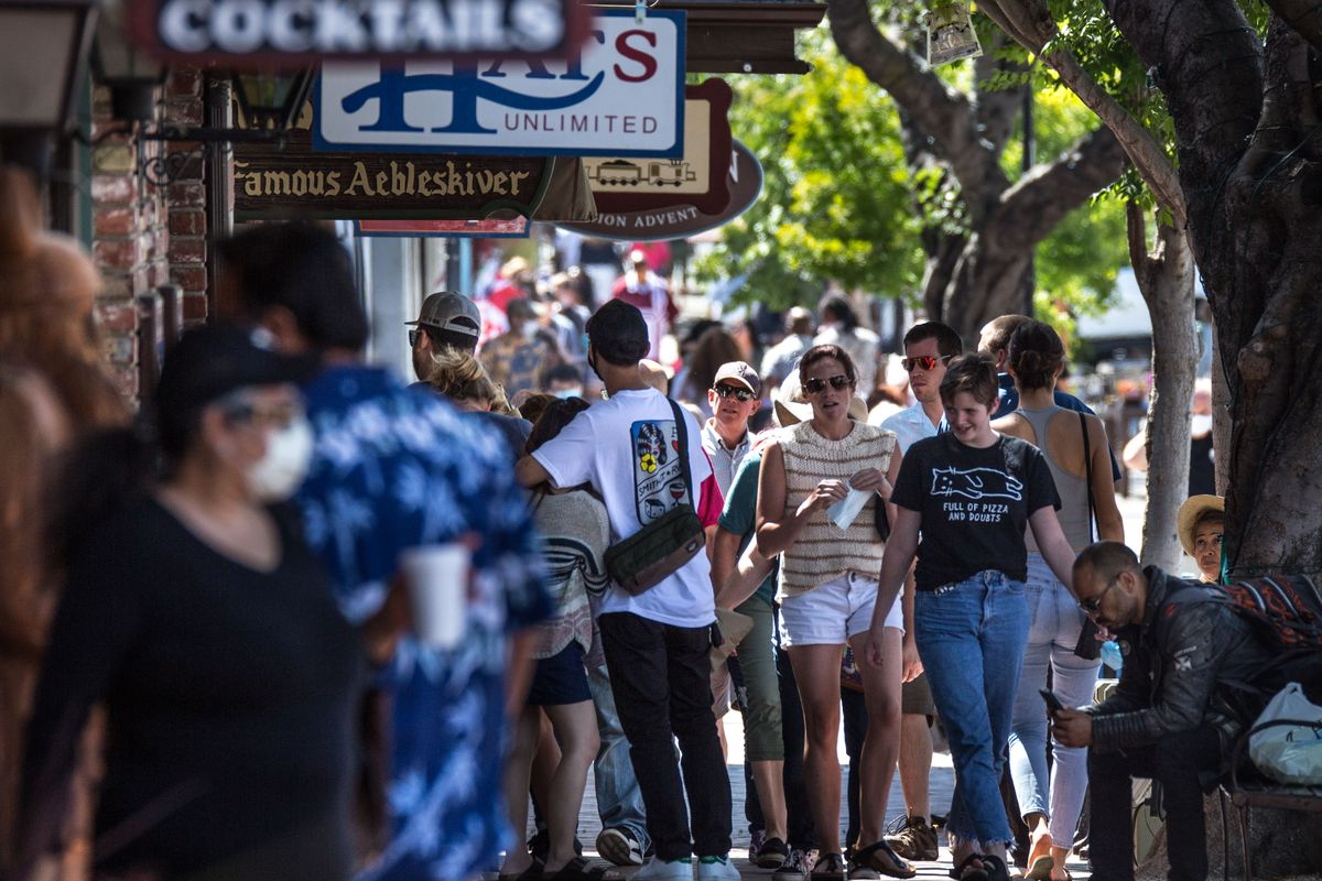 The Danish Town of Solvang Reopens to Tourists