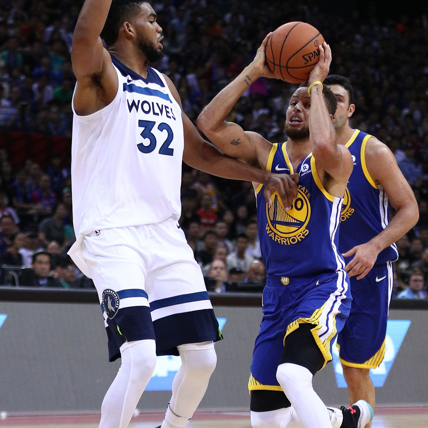 296bb7c6b7d9 Stephen Curry scores 40 to lead Warriors to 142-110 win over T Wolves - Golden  State Of Mind