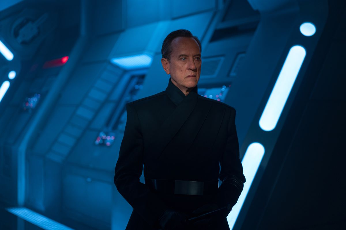 richard e. grant as general pryde in star wars: the rise of skywalker