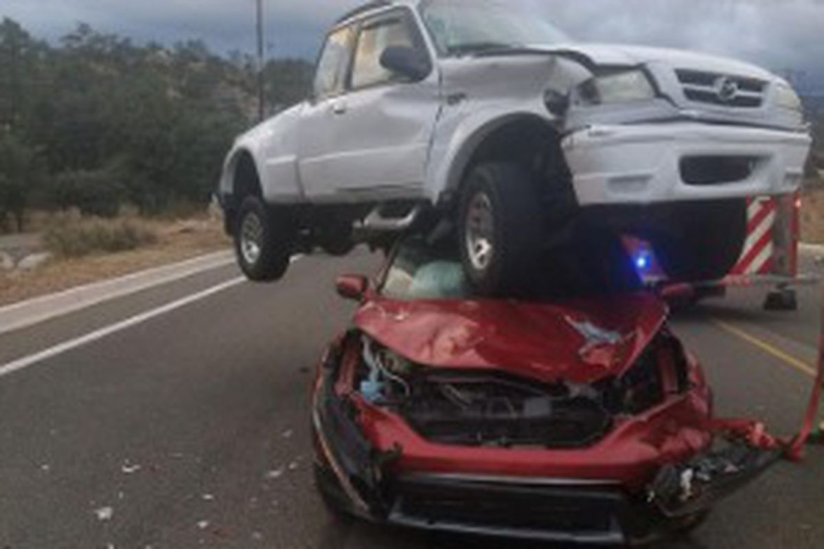 A photo of a pickup crash in Arizona is being heralded as a good reminder of why seat belts remain an important tool when driving.