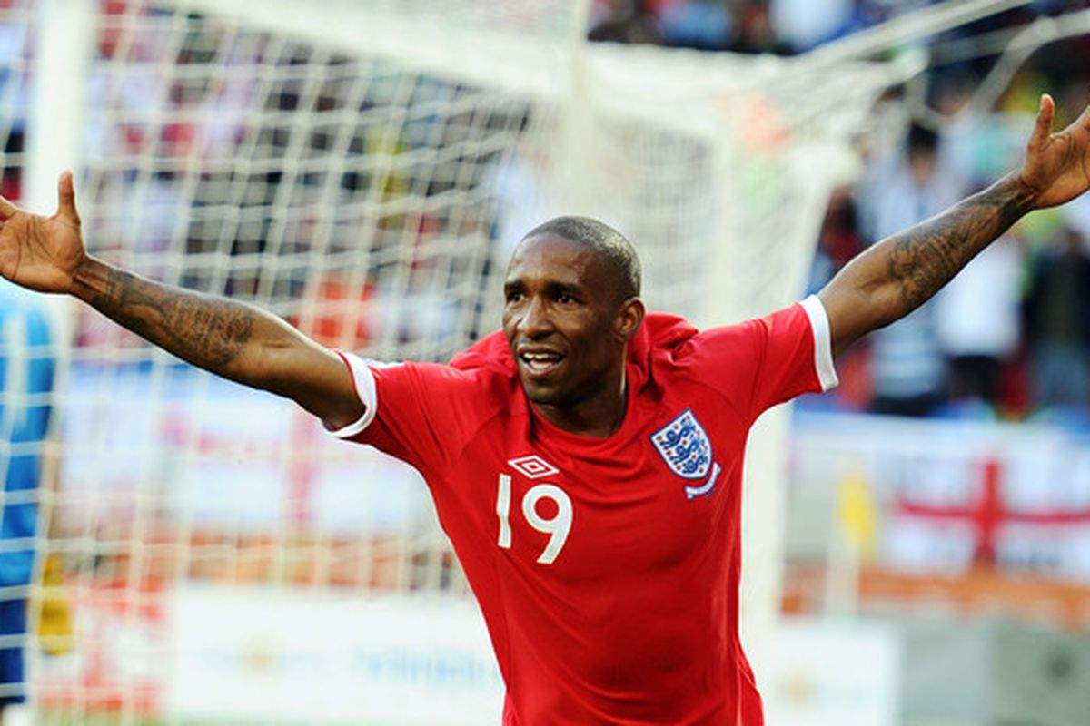 Defoe: Latest striker to be linked with Sunderland, but is the link a realistic one?