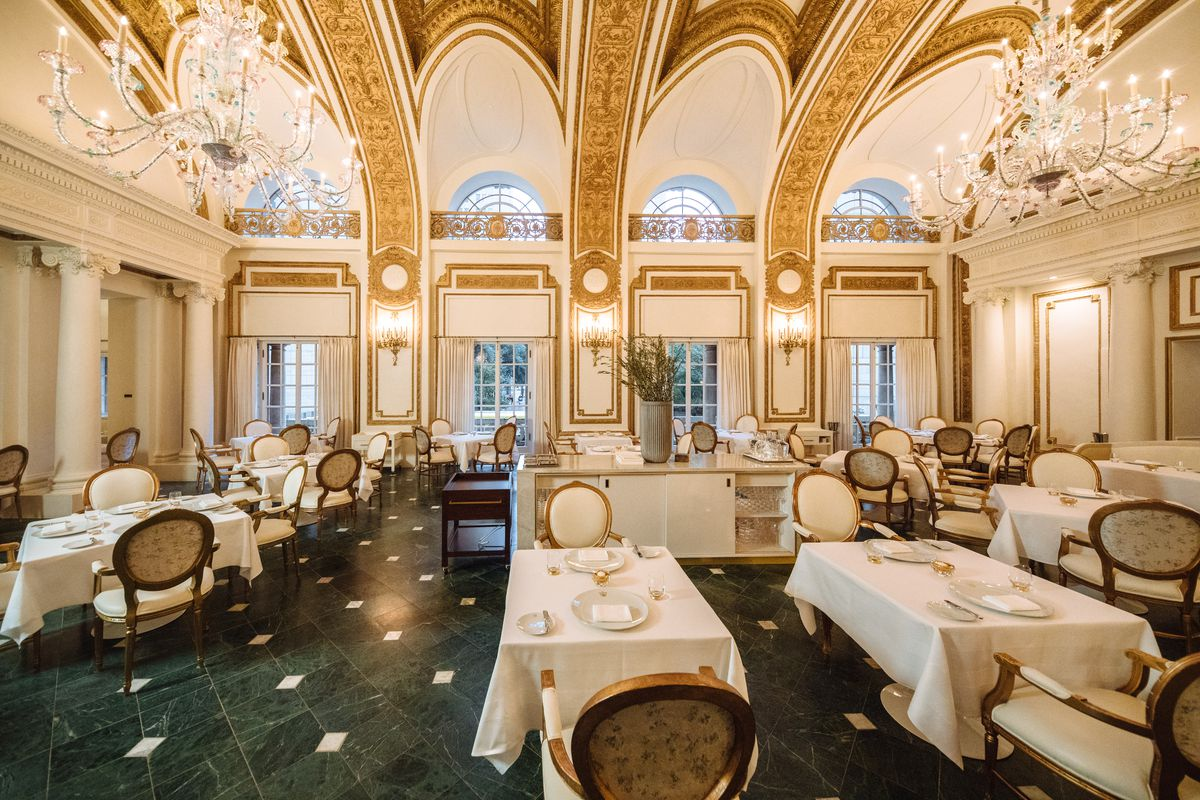 The Dining Room Or Actual French As Many Call It Is Still Main Focus Architecture Of Hasnt Changed Much From Its Previous
