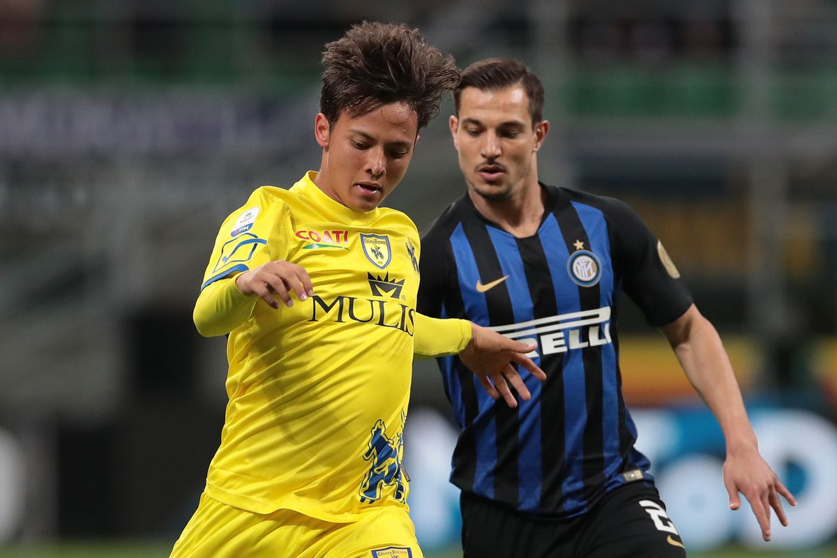 Report: Bayern Munich to make surprise bid for Italian youngster ...