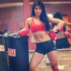 """<a href=""""http://chicago.racked.com/archives/2014/08/12/betina-gozo-hottest-trainer.php"""">Betina Gozo</a>, fitness director at Crosstown Fitness"""