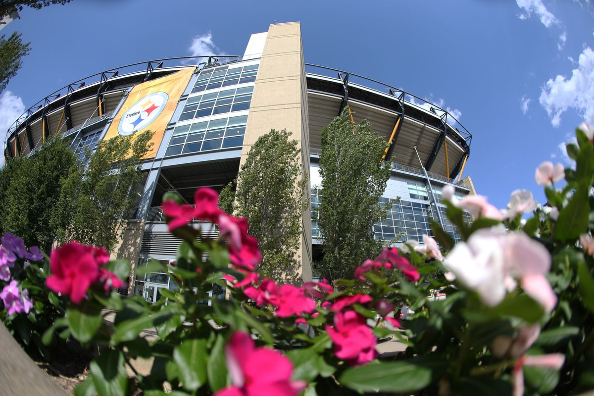 Behind the Steel Curtain, a Pittsburgh Steelers community