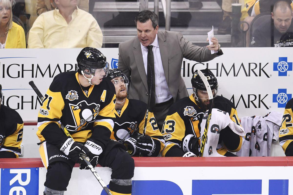 NHL: APR 14 Round 1 Game 2 - Blue Jackets at Penguins