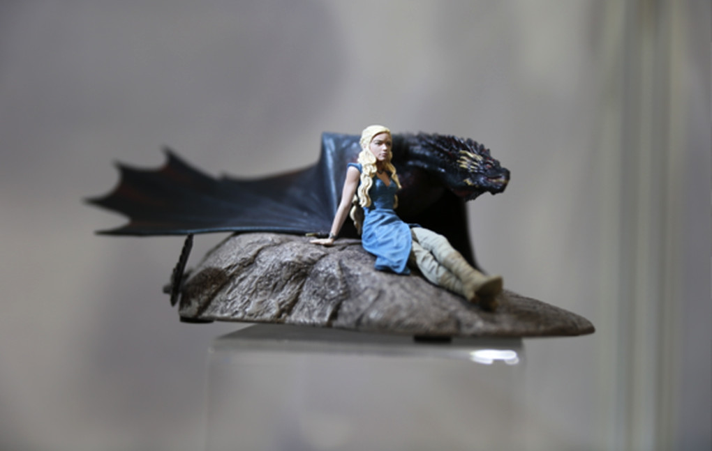 Behold the glorious game of thrones dioramas dire wolves and toys of san diego comic con polygon - Dire wolf bookends ...