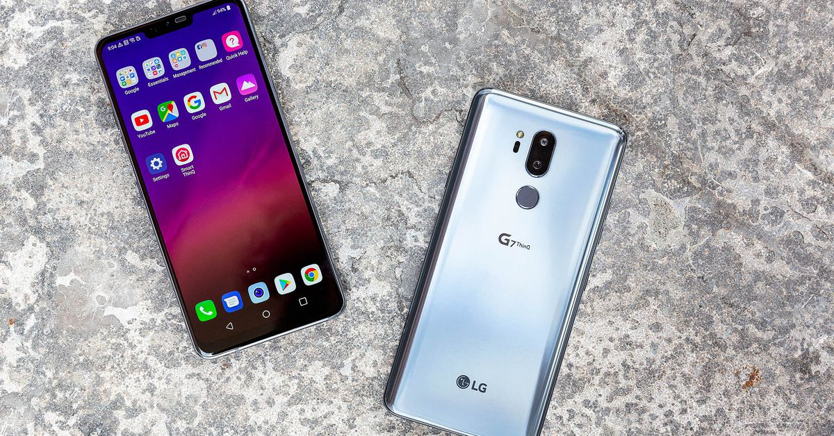 LG unveils the LG G7 thinq, keeping the Headphone jack, adding a notch, and adding more focus on AI.