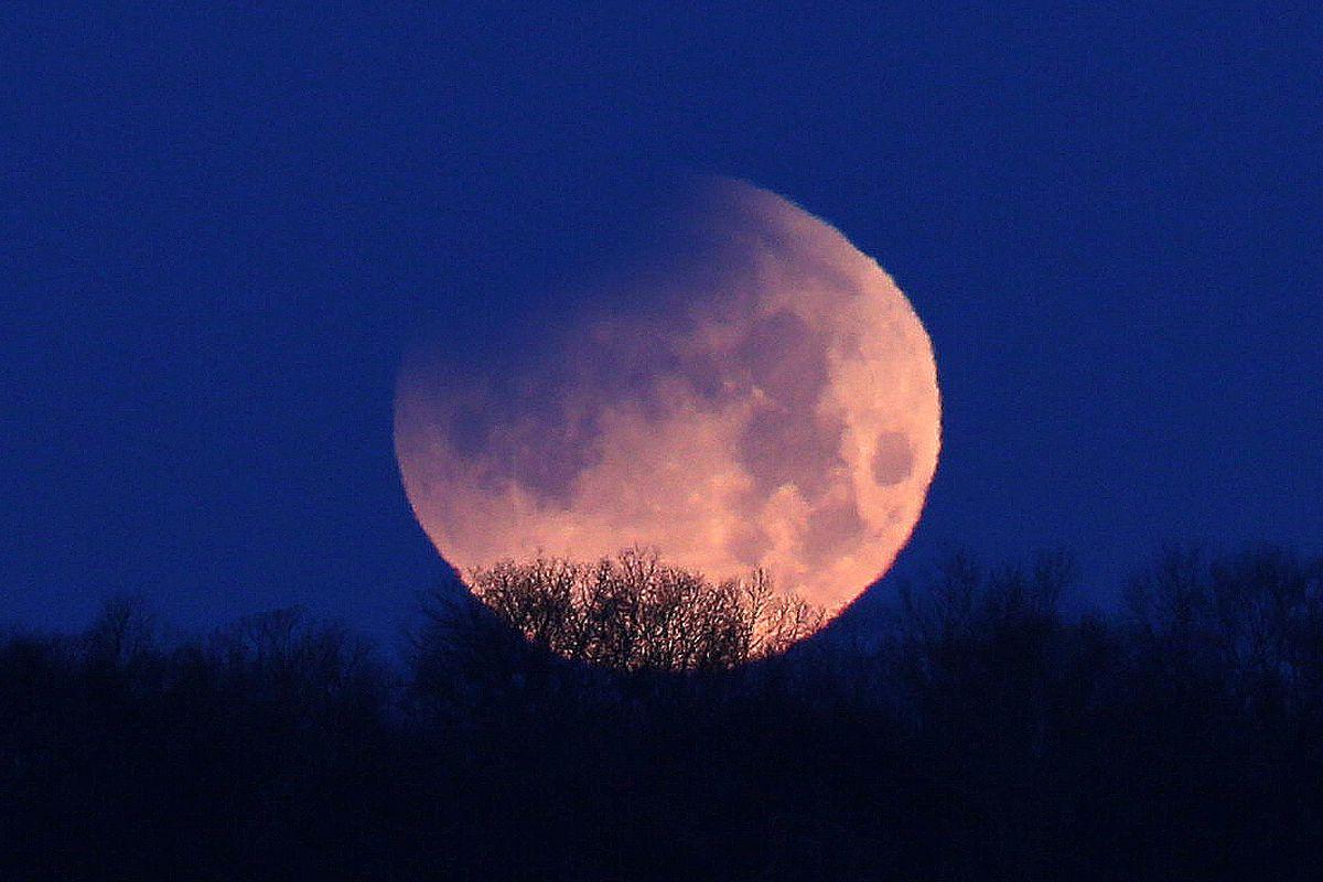 News: Super Moon