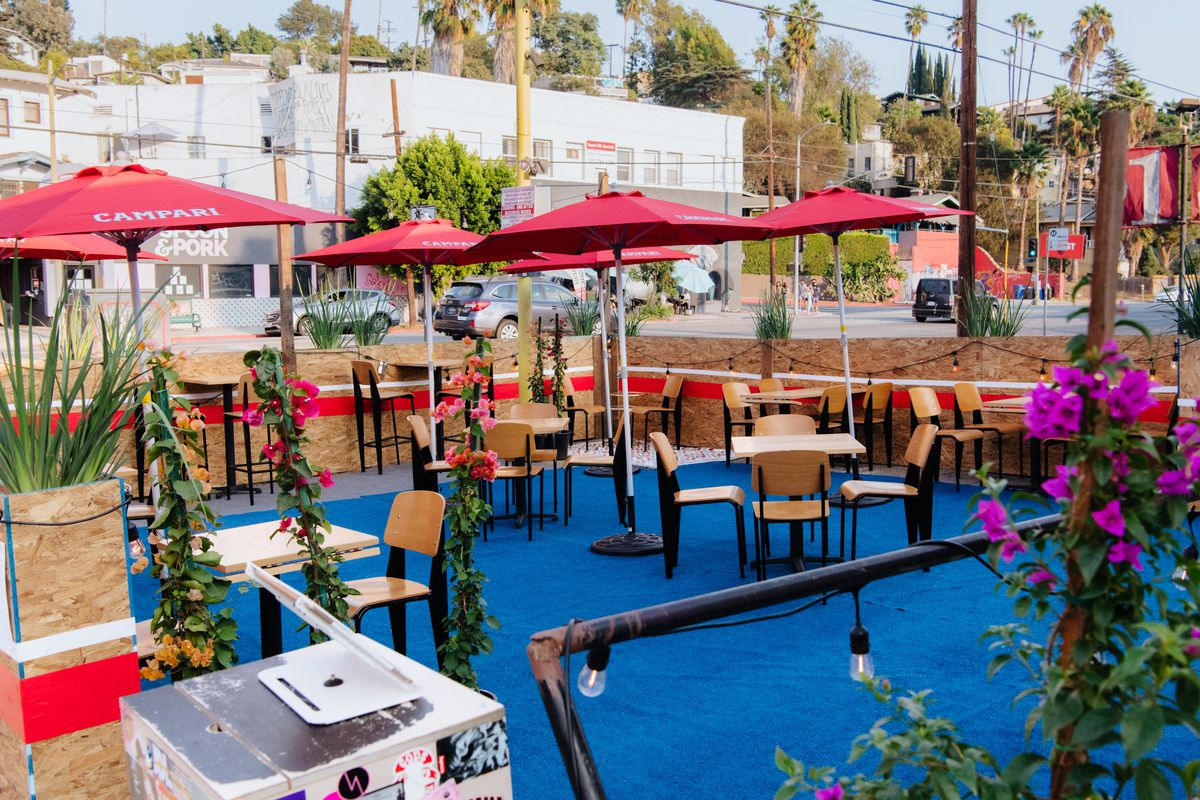 Outdoor seating area for Helluva Time restaurant in Silver Lake, California.
