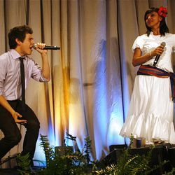 David Archuleta performs with his mother, Lupe, during the 2010 Mentors International Gala.