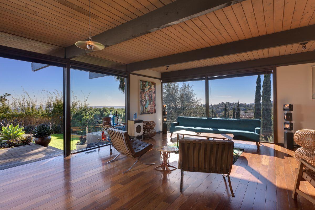 Buff And Hensman S Glorious 1969 Wong House Seeks 5m