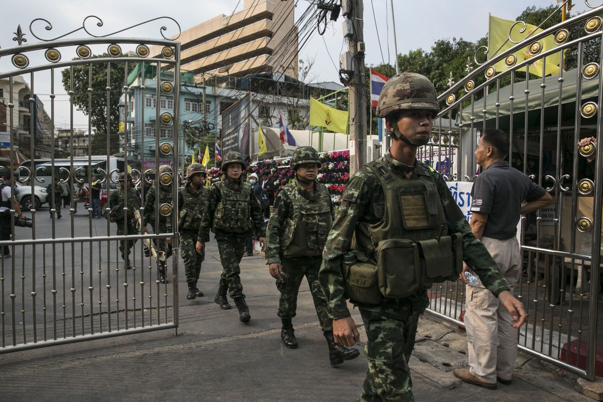 Thai soldiers deploy into Bangkok in early 2014 (Paula Bronstein/Getty)