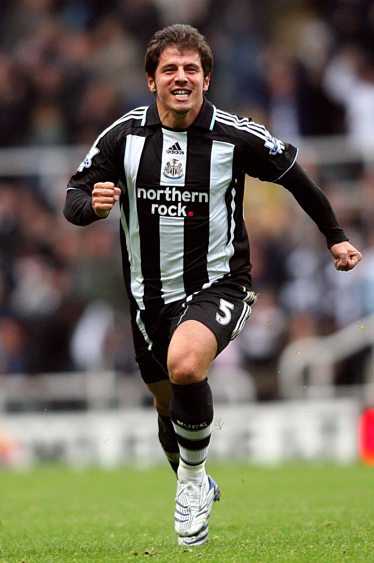 Soccer - Barclays Premier League - Newcastle United v Everton - St James Park