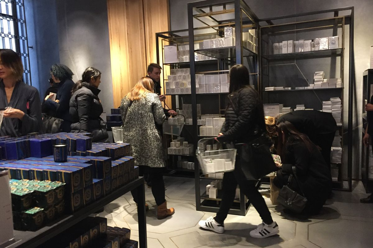 The Diptyque Sample Sale Preview's Weirdest Moments - Racked NY
