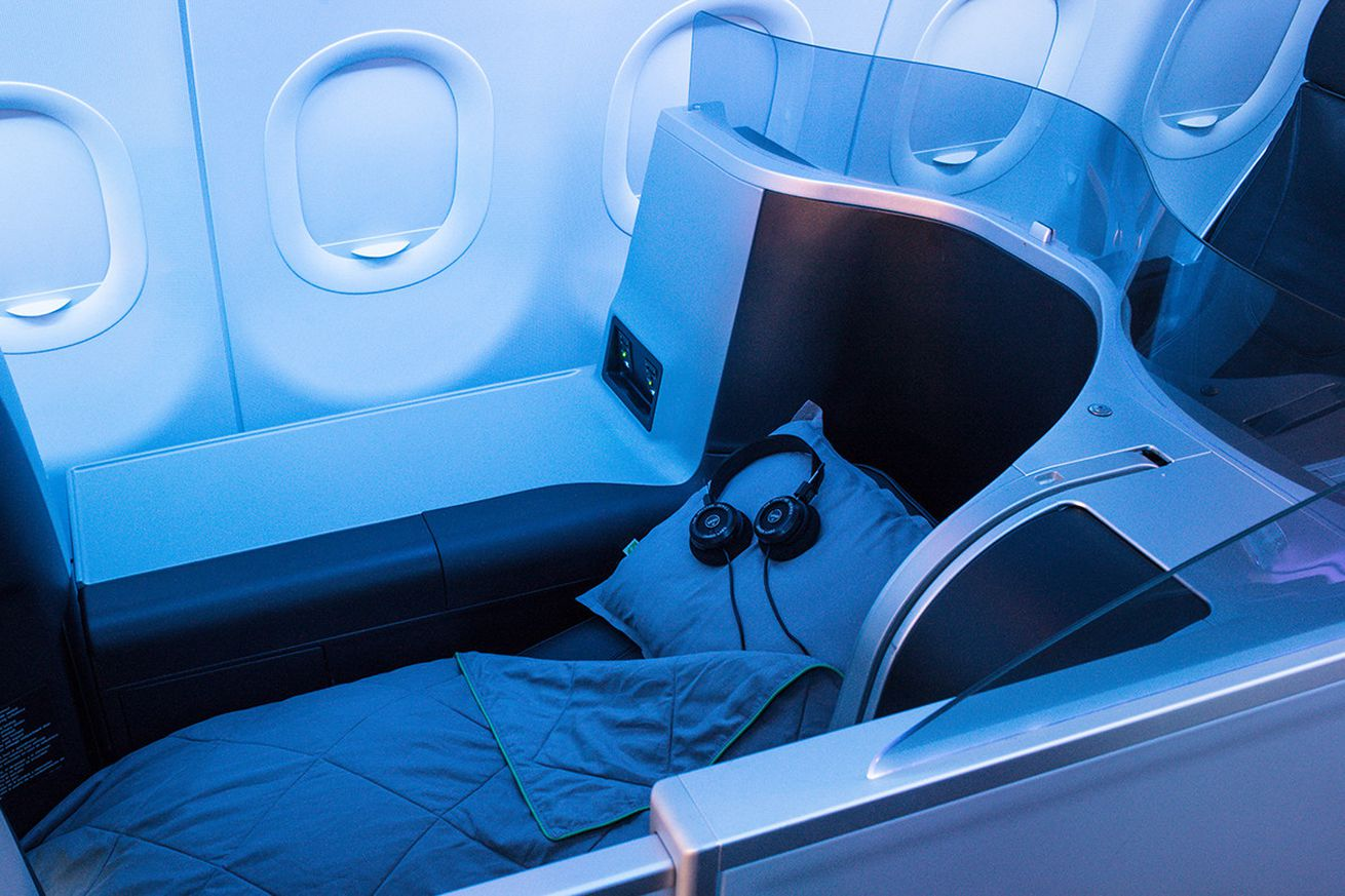 jetblue continues to punish first class customers with open back grado headphones