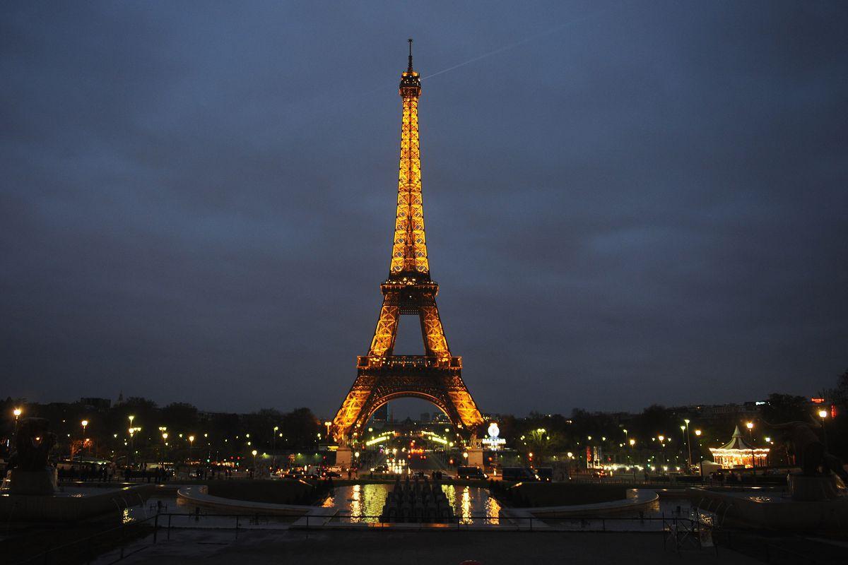Earth Hour In Paris