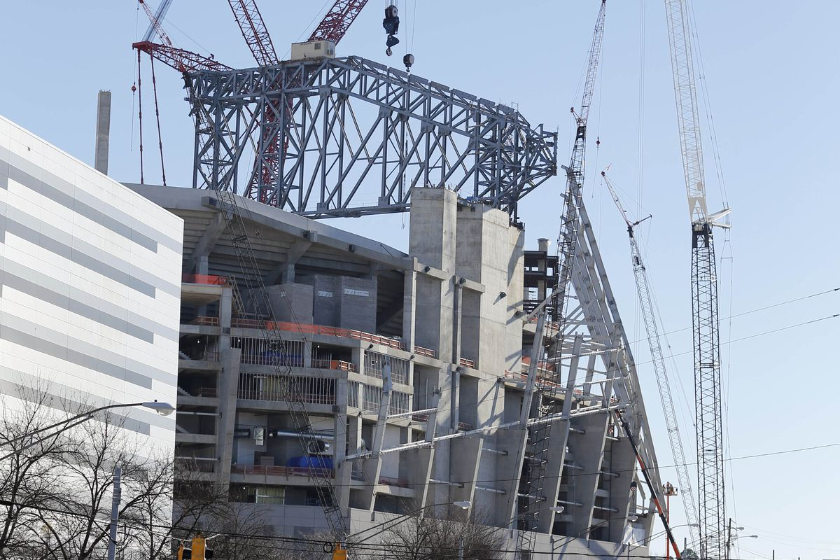 Falcons 39 Ceo Mercedes Benz Stadium Is Back On Schedule