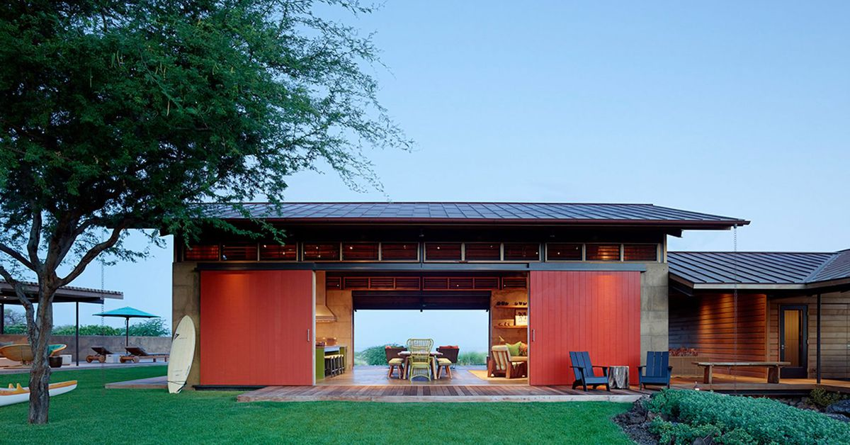 Breezy modern Hawaiian home was inspired by summer camps ...