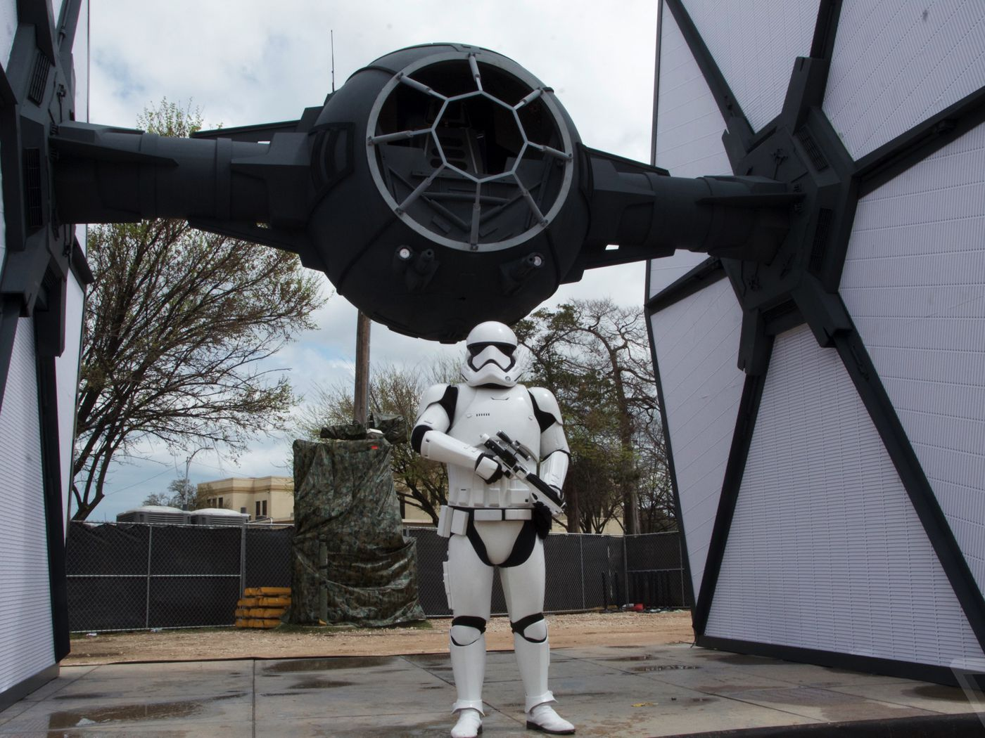 Of course Disney brought a life-sized TIE Fighter to Austin, Texas - The  Verge