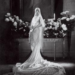 Oldschool: Charlotte Babcock Brown married Charles Coudert Nast, son of Condé Nast, in 1928, wearing Jeanne Lanvin