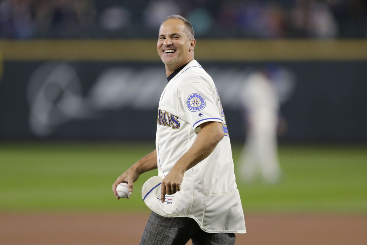 Class AA manager Omar Vizquel is leaving the White Sox organization.