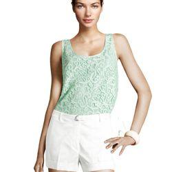 "<a href=""http://www.hm.com/us/product/98987?article=98987-A#&campaignType=K&shopOrigin=QL"">White shorts</a>, $24.95"