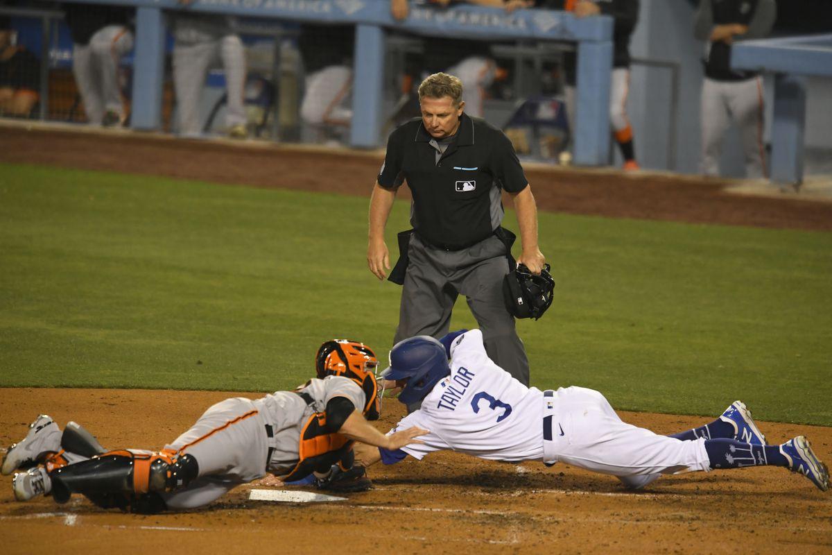 MLB: MAY 28 Giants at Dodgers