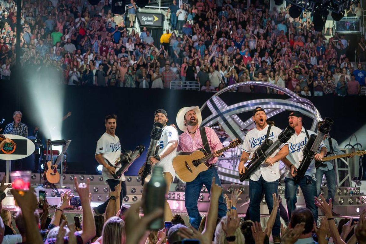 Royals, Garth Brooks, Sprint Center, concert
