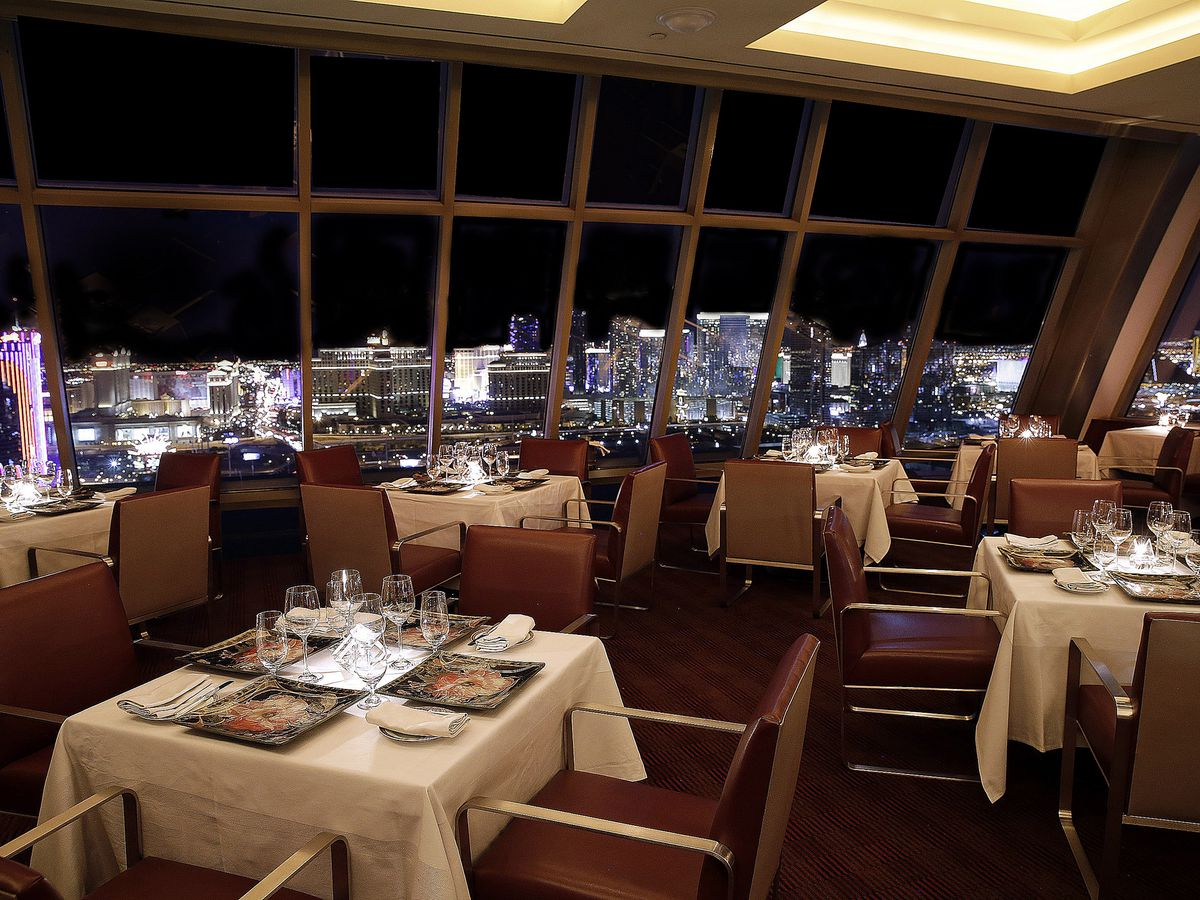Can Be Booked With A Restaurant Out Only At Alize The Top Of Palms Taking Place In Front East Facing Windows Las Vegas Strip